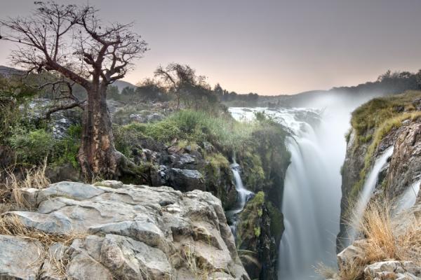 les chutes d'epupa : un véritable oasis dans la région de Kaokoveld