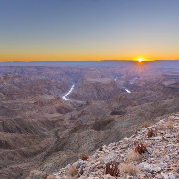 vue générale (de dessus et sur l'horizon) sur le fish river canyon