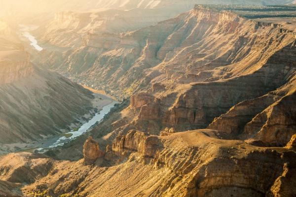la grandeur du fish river canyon, un paysage incontournable du pays