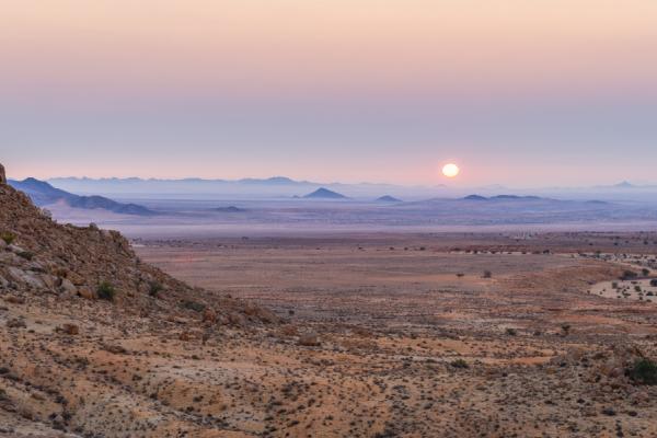 paysages variés du damaraland avec une vue sur ses étendues sauvages