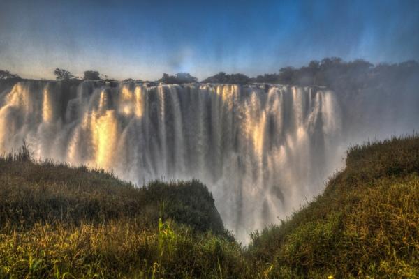 une afrique authentique avec les imposantes chutes victoria