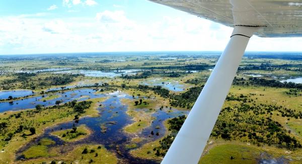 survol des marais de Lynianti en hélicoptère