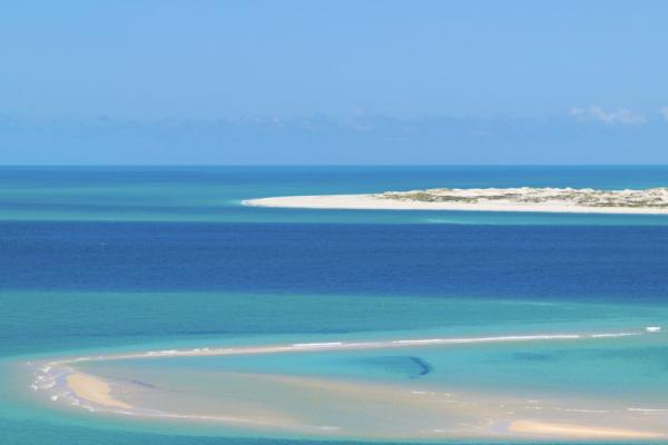 Une vue idyllique sur l'archipel de Bazaruto depuis le ciel