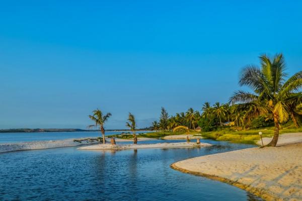Belle plage de Bilene et son lagon à trois heure de Maputo
