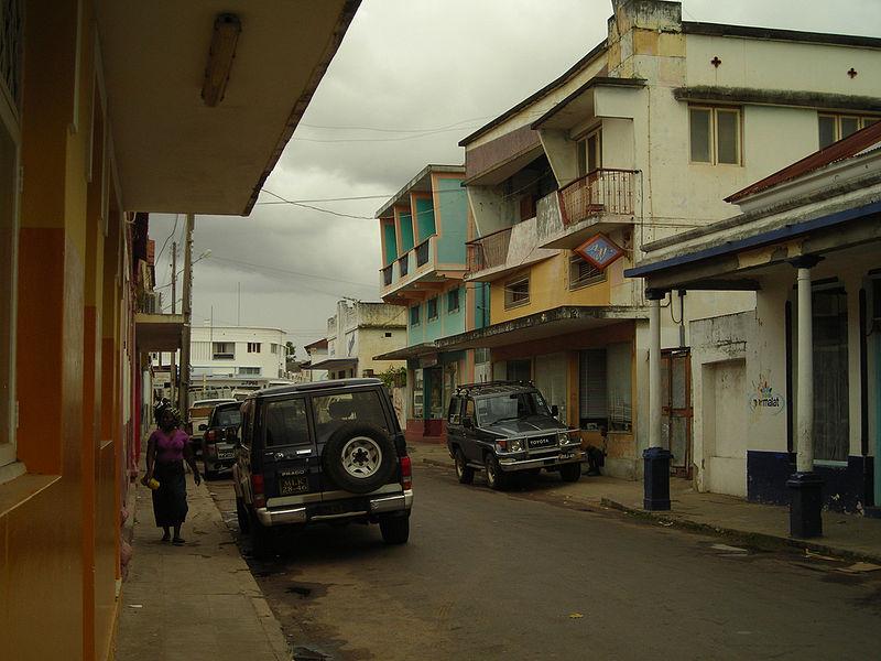 rues d'Inhambane dans laquelle on peut découvrir l'architecture