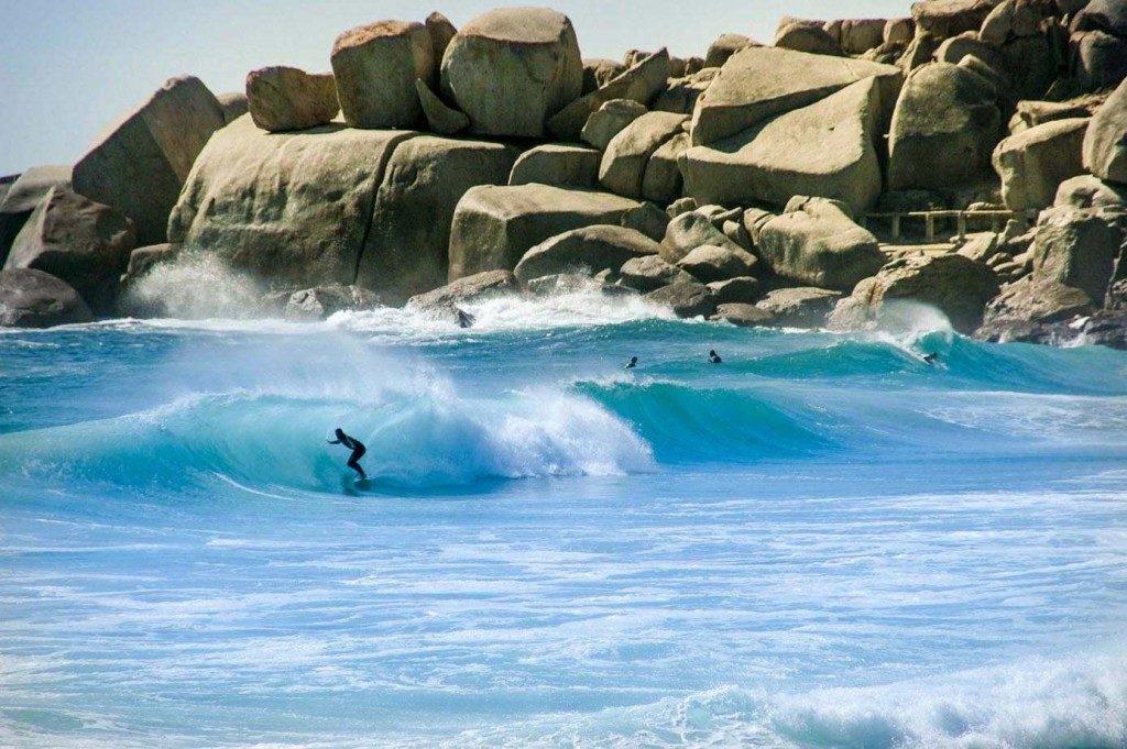 llandudno avec ses vagues et ses rochers affectionnés par les surfeurs