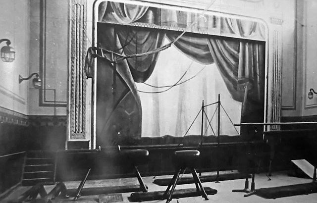 Le théâtre à intérieur du casino de Kolmanskop dans les années 1930