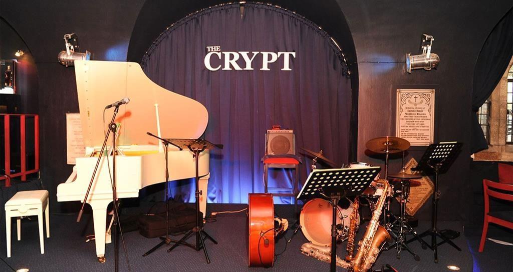 La scène du Crypt jazz, sous les voûtes de l'église st Georges